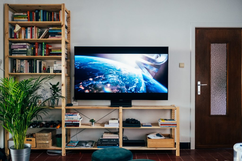 How to Create The Perfect TV Room + Top 5 TV's List