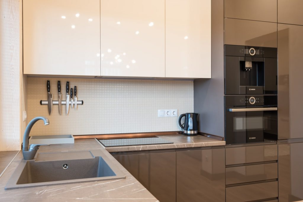 Why choosing the right appliance repairs service matters and how to pick one?
