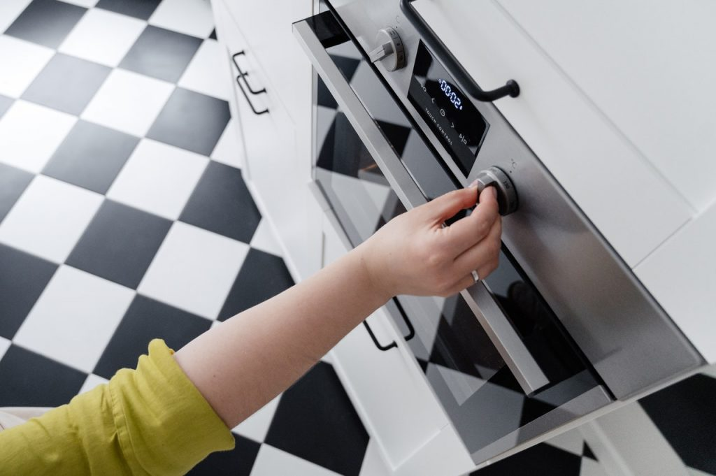 3 Oven problems and how to fix them yourself